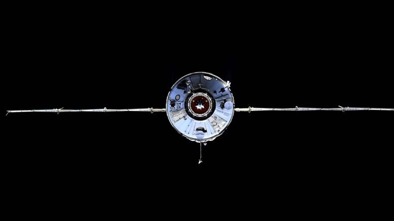 Le module russe Naouka réussit son amarrage à la Station spatiale internationale