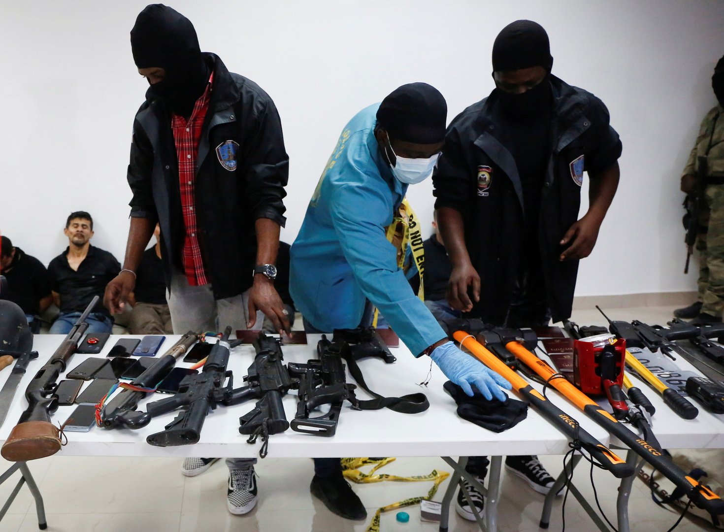 La police haïtienne désigne 26 Colombiens et 2 Américains responsables de l'assassinat du président