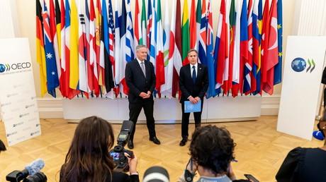 Antony Blinken et Mathias Cormann au siège de l'OCDE le 1er juillet 2021