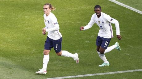Antoine Griezmann et Ousmane Dembélé lors du match France-Hongrie du 19 juin 2021 (image d'illustration).