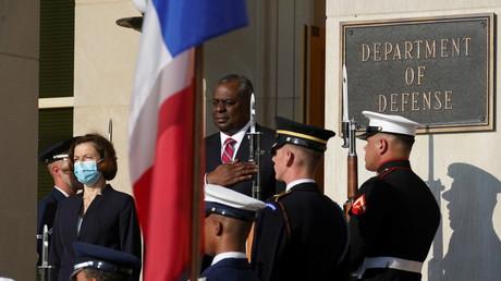 La ministre française des Armées Florence Parly et le secrétaire d'Etat américain à la Défense Lloyd Austin au Pentagone, en Virginie le 9 juillet 2021.