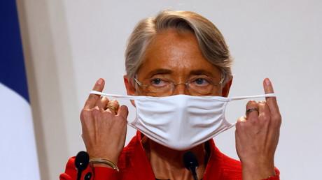 La ministre du Travail Elisabeth Borne lors d'une conférence de presse sur la situation sanitaire, au ministère français de la Santé à Paris, France, le 12 novembre 2020 (image d'illustration).