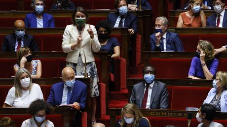 L'Assemblée nationale examine le controversé projet de loi généralisant le pass sanitaire
