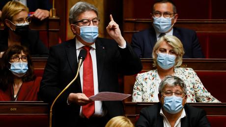 «Chienlit» : l'opposition continue de donner de la voix contre l'extension du pass sanitaire