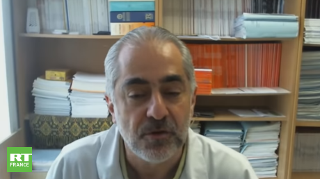 Covid-19 : des restrictions faute de vaccination suffisante, explique un médecin en réanimation