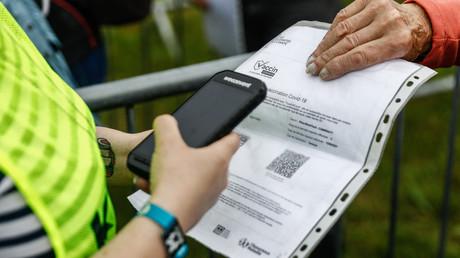 Une femme mise en examen pour trafic de faux certificats de vaccination