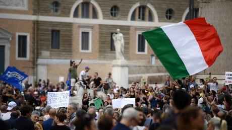 Italie, Grèce, Australie : les opposants aux mesures sanitaires battent le pavé