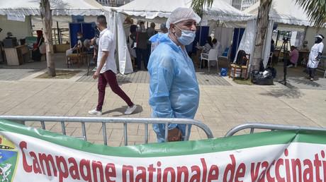 Face à la flambée des cas, l'Algérie annonce le durcissement des mesures anti-Covid