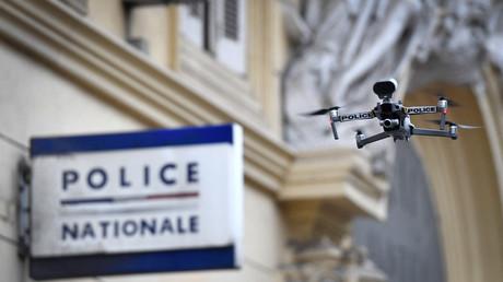 Un drone de la police nationale utilisé à Marseille pendant un confinement sanitaire, en mars 2020 (image d'illustration).