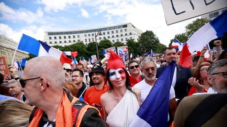 Manifestants à Paris contre le pass sanitaire le 31 juillet 2021