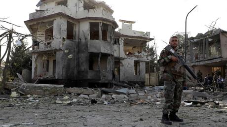 Un soldat afghan sur les lieux d'un attentat à Kaboul, le 4 août (image d'illustration).