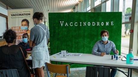Un centre de vaccination à Pointe-à-Pitre, en Guadeloupe, le 30 juillet 2021.