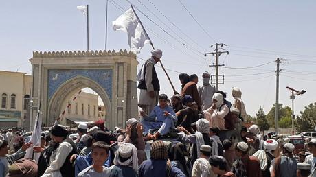 Des combattants Taliban à Kandahar le 13 août 2021.