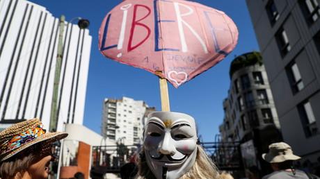 Manifestants contre le pass sanitaire à Paris le 14 août 2021
