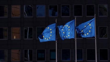 Des drapeaux européens dans le quartier bruxellois de la Commission européenne (image d'illustration).