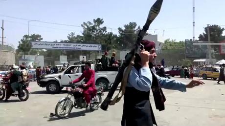 Un Taliban à Kaboul le 16 août 2021