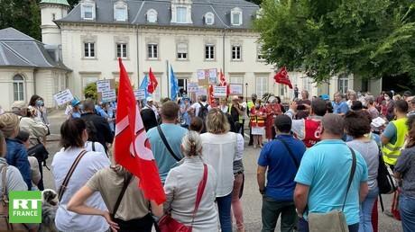 Manifestation de soignants contre l'obligation vaccinale, à Mulhouse le 19 août 2021.