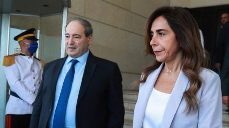 Le ministre syrien des Affaires étrangères Fayçal Moqdad et Zeina Akar vice Premier ministre du Liban à l'issue d'une réunion à Damas (Syrie), le 4 septembre 2021.