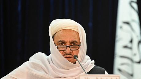 Le ministre taliban de l'Enseignement supérieur, Abdul Baqui Haqqani, s'exprime lors d'une conférence de presse à Kaboul le 12 septembre 2021.