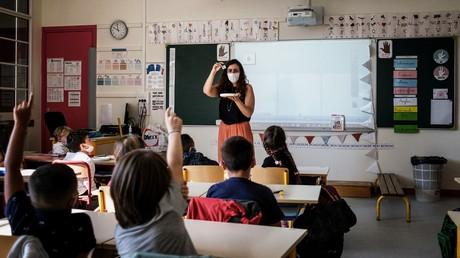 «Un peu plus de 3 000» classes d'école fermées à cause du Covid-19, annonce Blanquer