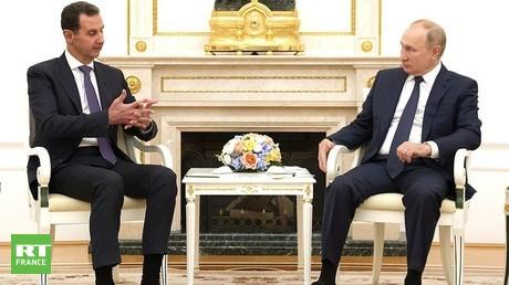 Le président russe et son homologue syrien au Kremlin le 13 septembre 2021