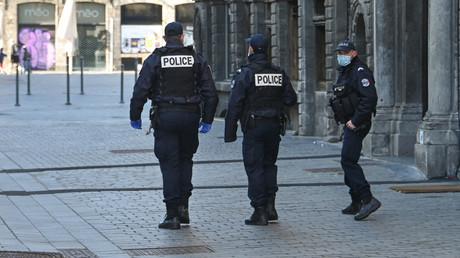 Des policiers près de la Grand-Place de Lille (Nord), le 23 mars 2020 (image d'illustration)