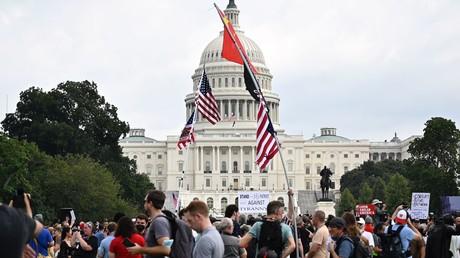 Etats-Unis : manifestation de soutien aux personnes arrêtées le 6 janvier au Capitole (VIDEOS)