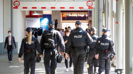 Allemagne : Merkel condamne le meurtre «horrible» d'un employé par un client refusant le masque
