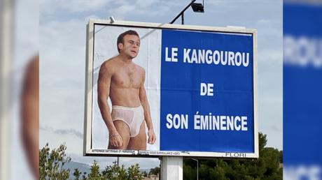 Capture d'écran d'une affiche de Michel Flori, qui moque l'action du chef de l'Etat dans l'affaire de la crise des sous-marins.