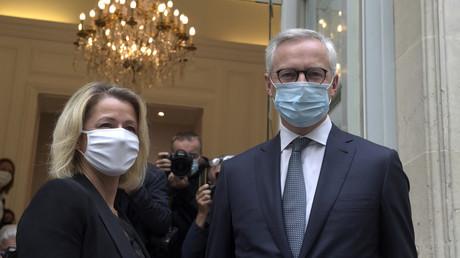 La ministre de la Transition écologique Barbara Pompili (g.) et le ministre de l'Economie et des Finances, Bruno Le Maire photographiés à Paris le 8 septembre 2020 sont les signataires d'une lettre au président de l'Eurogroupe consacrée à l'actuelle crise de l'énergie (illustration).