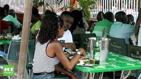 Côte d'Ivoire : le gouvernement pourrait imposer le pass sanitaire dans les restaurants et les bars