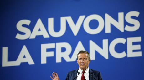 Nicolas Dupont-Aignan lance sa campagne en s'attaquant à Macron, la «marionnette du système»