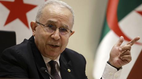 Ramtane Lamamra en conférence de presse à Alger le 24 août 2021