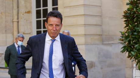 Le président du Medef Geoffroy Roux de Bezieux après sa rencontre avec le Premier ministre français dans le cadre d'entretiens avec des représentants syndicaux à l'hôtel de Matignon à Paris, le 2 septembre 2021 (illustration).