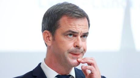 Olivier Véran reconnaît que de nombreux lits sont fermés dans les hôpitaux «faute de soignants»