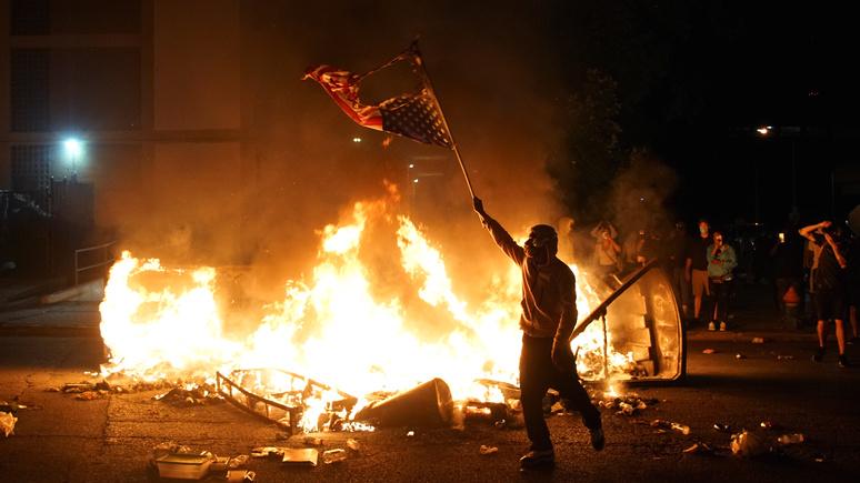 Обозреватель WSJ призвал Россию и Китай не путать протесты в США со слабостью