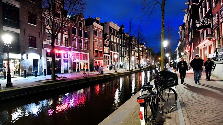 Bloomberg: без борделей и наркотиков — в Амстердаме решают, как вернуть центр города жителям