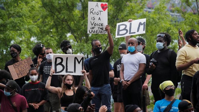Welt: немецкого профессора в США требуют разжаловать за «насмешку» над протестами против расизма