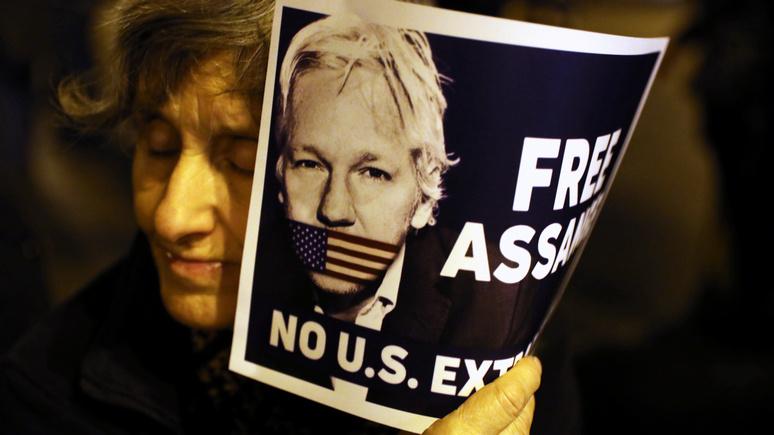 Guardian: не в интересах страны — в Вашингтоне предпочли не приобщать к делу Ассанжа запись с военными преступлениями США