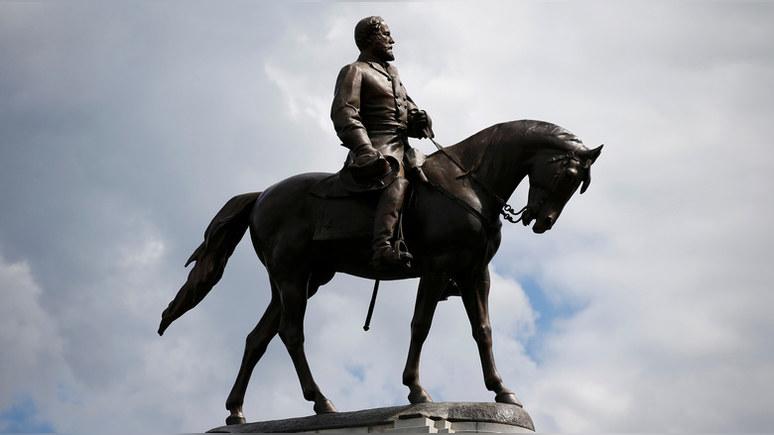WP: американская писательница призвала пересмотреть ценность «токсичных и маскулинных» монументов Гражданской войны