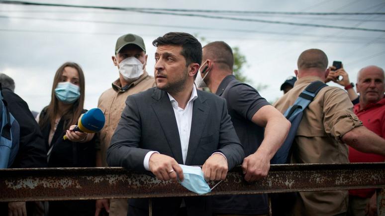 СТРАНА: украинцы стремительно теряют доверие к Зеленскому