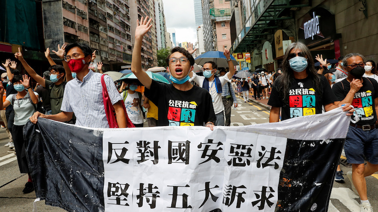 Time: Джонсон предложил путь к британскому гражданству 3 миллионам гонконгцев