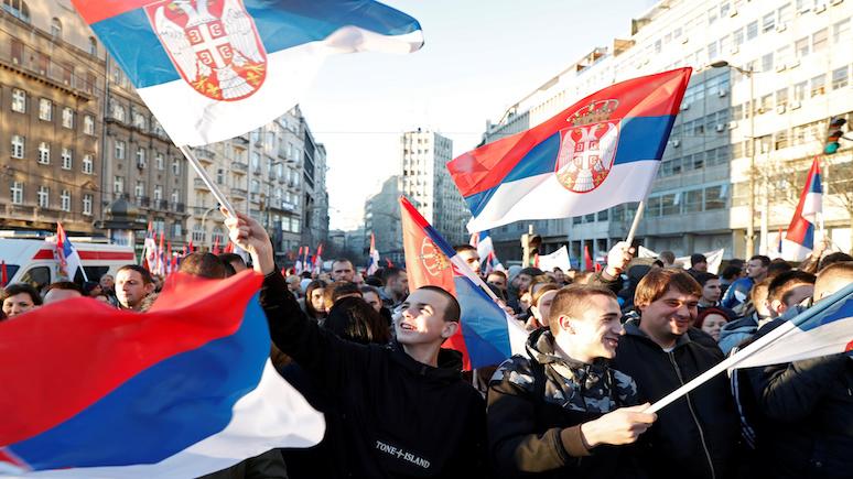 RP: после волны новых заболеваний коронавирусом сербы потребовали отставки президента