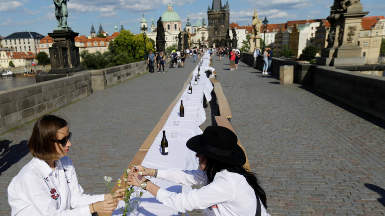 SRF: туристическая Прага опустела из-за пандемии, но стала «красивее и романтичнее»