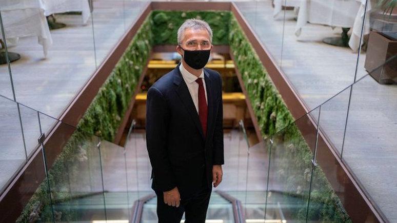 El País: Столтенберг обвинил Россию и Китай в подрыве демократии в период пандемии