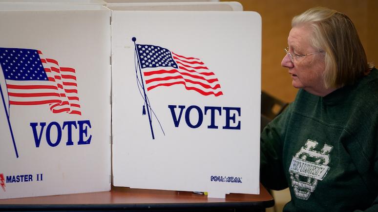 Hill: спецслужбы США сообщили о зарубежных попытках перехвата переписки участников избирательных кампаний