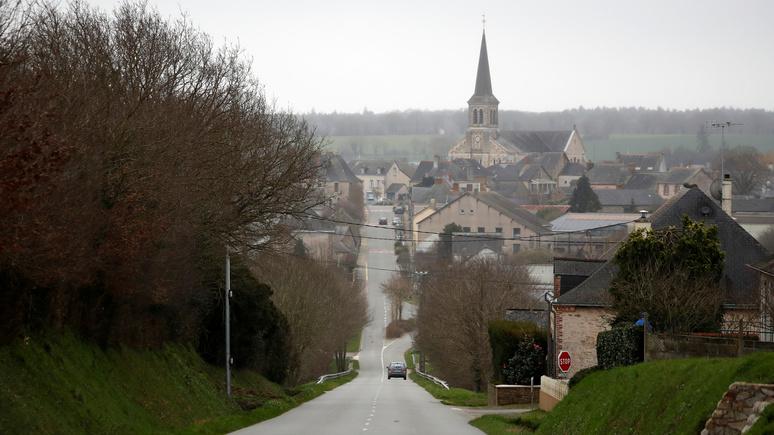 Le Figaro: «странное лето» — из-за пандемии французы проводят свой отпуск в деревне на родине