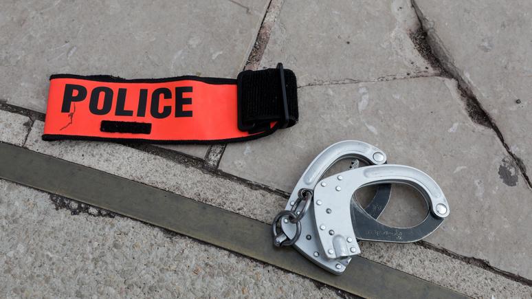 Le Figaro: больше не стражи порядка — французские полицейские всё чаще становятся мишенями для нападок