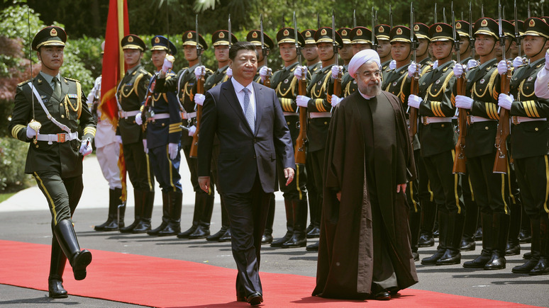 FP: в «объятья» к Китаю Иран завёл Трамп