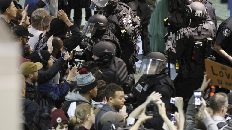 Журналист: беспорядки разрушают американские города — но СМИ не обращают на насилие внимания